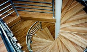 kāpnes 10